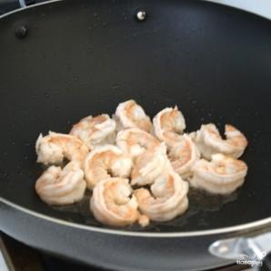 Рис с жареными креветками по-китайски - фото шаг 7