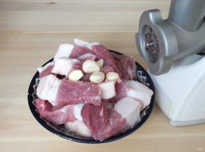 Домашняя колбаса в фольге - фото шаг 2