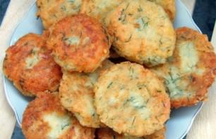 Сырники с зеленью - фото шаг 5