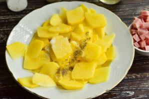 Картошка с карбонатом в духовке - фото шаг 3