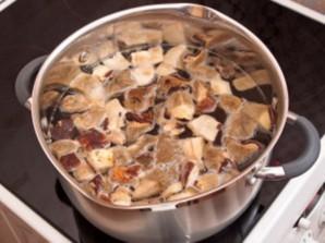 Суп из белых грибов замороженных   - фото шаг 1