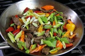 Жареная с овощами говядина - фото шаг 6