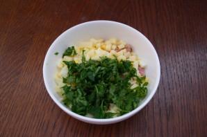 Салат с сыром и сухариками - фото шаг 4