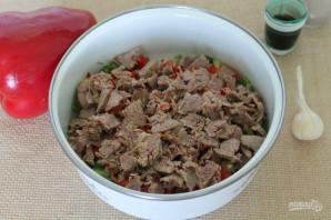 Салат с говядиной, болгарским перцем и огурцом - фото шаг 5