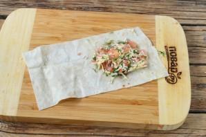 Конвертики из лаваша с сыром и помидорами - фото шаг 4