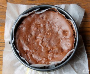 Шоколадный чизкейк с вишней - фото шаг 11