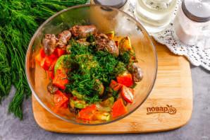 Теплый салат с куриными сердечками - фото шаг 6