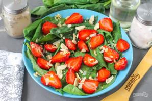 Клубничный салат с миндалем - фото шаг 7