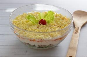 Слоеный салат с печенью трески - фото шаг 7