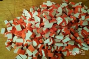 Салат из крабовых палочек с киви - фото шаг 6
