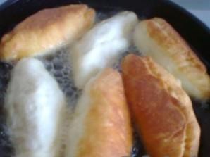 Пирожки с яйцом и мясом - фото шаг 11