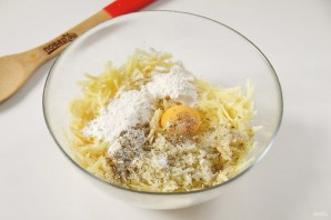Картофельная запеканка на сковороде - фото шаг 4