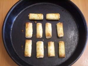Трубочки из лаваша, запеченные в духовке - фото шаг 7