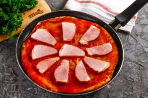 Дрожжевая пицца на сковороде - фото шаг 6
