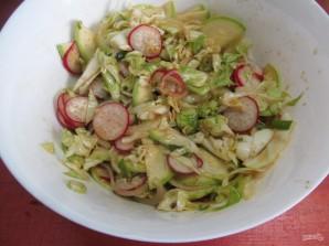 Салат по-корейски из капусты с редисом и кабачком  - фото шаг 10