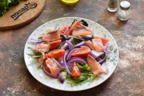 Салат с лососем и яйцом пашот - фото шаг 7