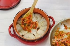 Рыба, тушенная с овощами - фото шаг 9