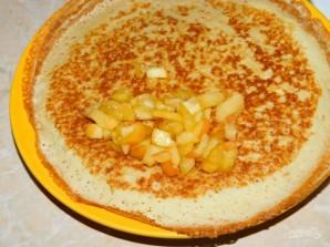 Творожные блины с карамельными яблоками - фото шаг 7