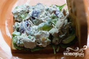 Бутерброды с куриным салатом - фото шаг 8