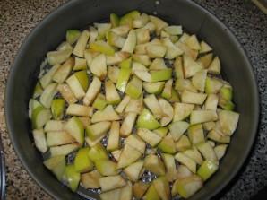 Шарлотка с маком и яблоками - фото шаг 5