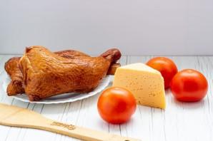 Салат с копченой курицей и помидорами - фото шаг 1