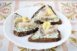 Бутерброды с селедкой и лимоном - фото шаг 5