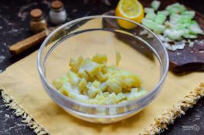 Салат из колбасы и маринованного лука - фото шаг 3