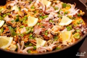 Паэлья с морепродуктами - фото шаг 9