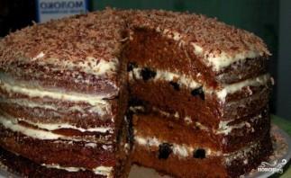 Шоколадный торт с черносливом и орехами - фото шаг 6