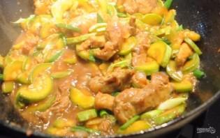 Свинина с кабачками по-китайски - фото шаг 3