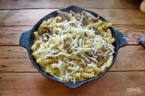 Макароны с мясом под сыром в духовке - фото шаг 8