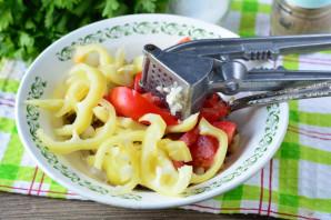 Теплый салат с вешенками - фото шаг 7