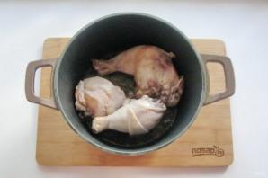 Курица с грибами в казане - фото шаг 3