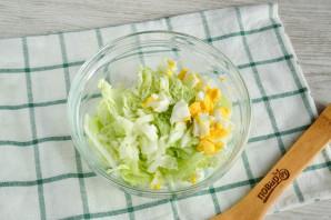 Салат с пекинской капустой и сайрой - фото шаг 3