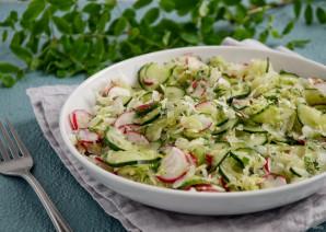Салат из капусты, редиса и огурца - фото шаг 5