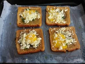 Тосты с яйцом в духовке - фото шаг 5
