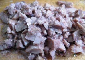 Простой салат из печени трески - фото шаг 2