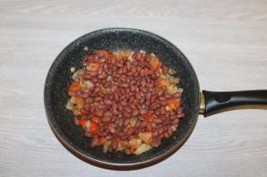 Салат с баклажанами и фасолью - фото шаг 10