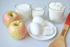 Шарлотка на молоке - фото шаг 1
