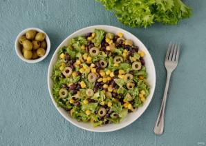 Салат с кукурузой и оливками - фото шаг 7