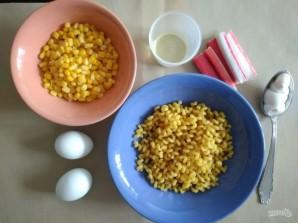 Салат с крабовыми палочками и макаронами - фото шаг 1