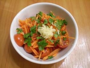 Помидоры с морковкой и чесноком - фото шаг 3