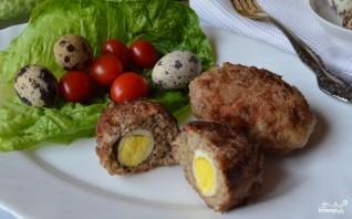 Котлеты с яйцом внутри - фото шаг 9