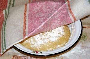 Пасхальный рулет с орехами и изюмом - фото шаг 3