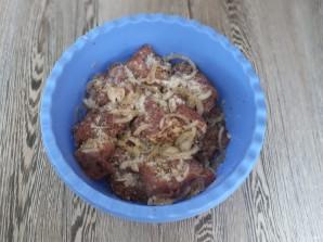 Шашлык из свинины без маринада - фото шаг 4