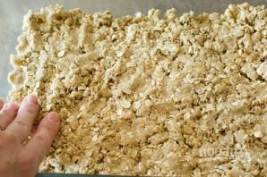 Абрикосовый пирог с овсяной крошкой - фото шаг 6