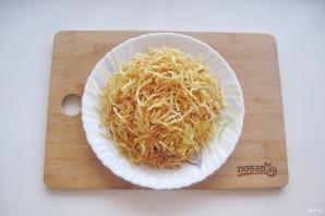 """Салат """"Блондинка"""" с жареной картошкой - фото шаг 8"""