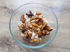 Салат с курицей и белыми грибами - фото шаг 7