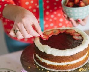 Бисквитный торт с фруктовой начинкой - фото шаг 6