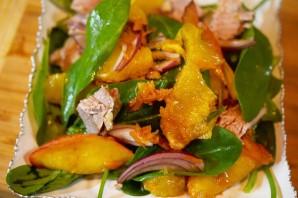 Большой салат с уткой, беконом, яблоками и апельсинами - фото шаг 9